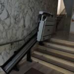 Dettaglio su montascala chiuso realizzato a Gallarate - foto 2