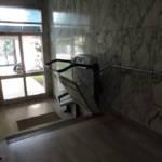 Dettaglio su servoscale a pedana realizzato a Gallarate - foto 16
