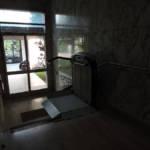 Dettaglio su servoscale a pedana realizzato a Gallarate - foto 13