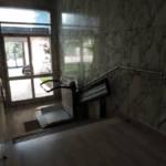 Dettaglio su pedana del montascale realizzato a Gallarate - foto 4
