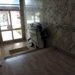 Dettaglio su servoscale a pedana realizzata a Gallarate - foto 2