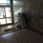 Dettaglio su servoscale a pedana realizzata a Gallarate - foto 1