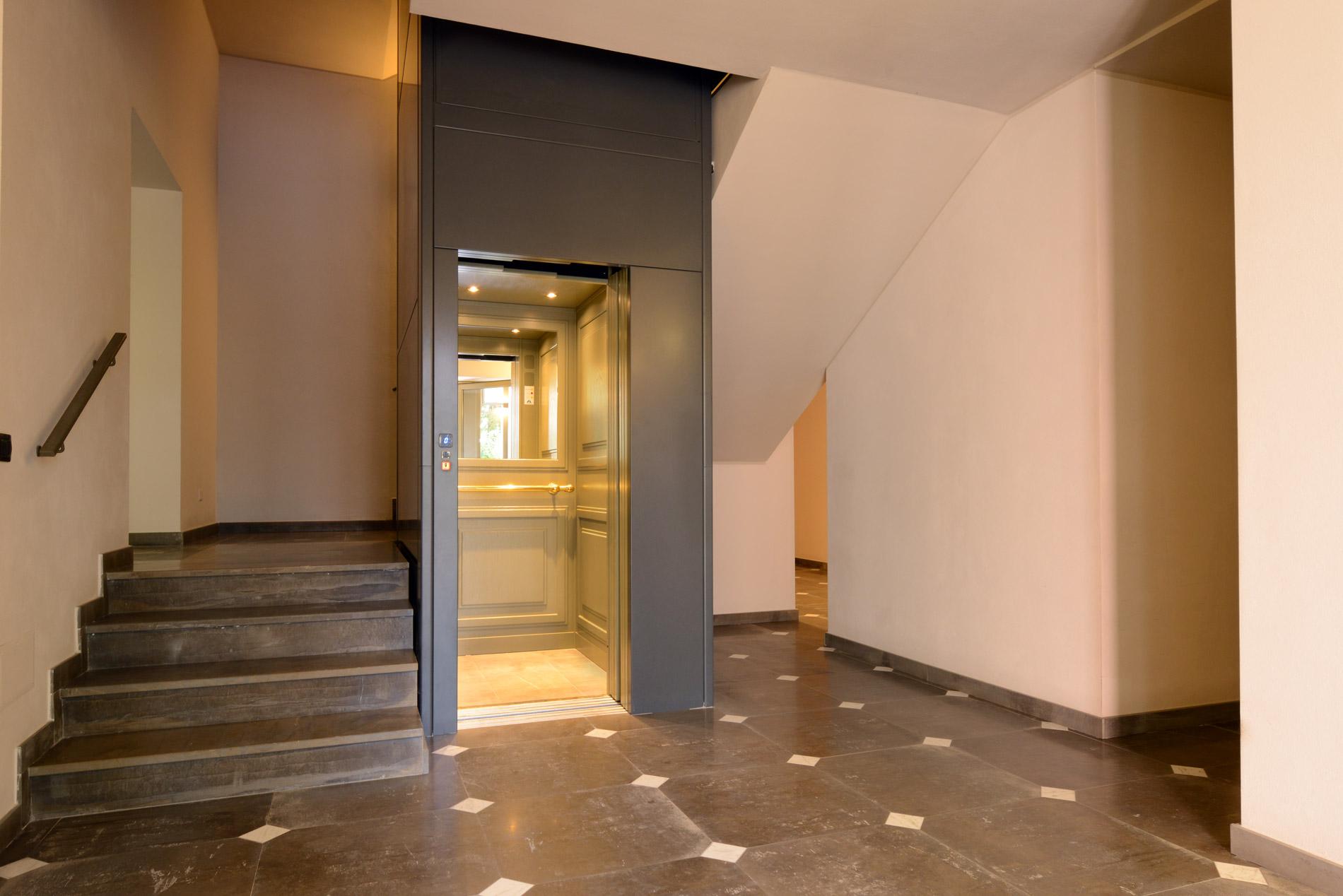 Esempio ascensore interno realizzato da Amca Elevatori