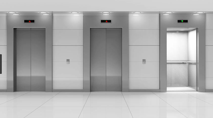 Tre ascensori affiancati